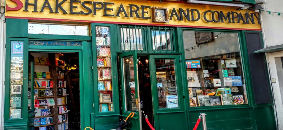Shakespeare and Company | Become a better actor instantly! Learn why EVERY actor should study Shakespeare and how it can change your acting career.
