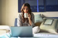 Best side hustle jobs for actors. 10 work from home jobs to make more money and have an acting career.